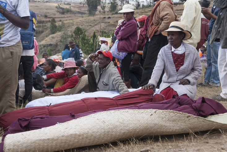 Madagascar-Famadihana-Resting