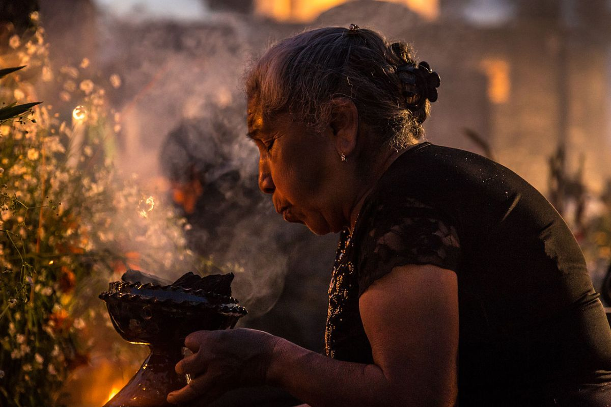 Scented Prayers: Copal & the Day of the Dead